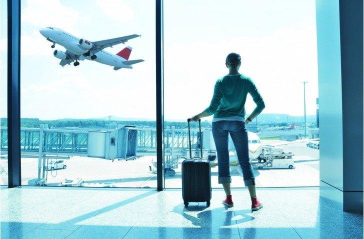 Imágenes Personas Viajando En Avion: 7 Consejos Para Tu Primer Viaje